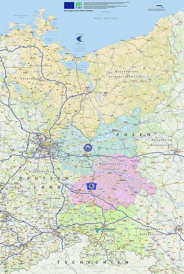 """Karte der Euroregionen im deutsch-polnischen Verflechtungsraum. Die Karte wurde im Rahmen des INTERREG-IV-A-Projekts """"Analyse Verkehrsnetz Oder-Neiße (AVerON) – Raumplanerische Analyse der aktuellen grenzübergreifenden Verkehrsinfrastruktur im Deutsch-Polnischen Grenzgebiet insbesondere in der Euroregion PRO EUROPA VIADRINA und der Euroregion Spree-Neiße-Bober sowie an den Schnittstellen zu den benachbarten (Euro)Regionen"""" aus Mitteln des Europäischen Fonds für Regionale Entwicklung im Rahmen des Operationellen Programms der grenzübergreifenden Zusammenarbeit Polen (Wojewodschaft Lubuskie)–Brandenburg 2007-2013, kofinanziert. Grenzen überwinden durch gemeinsame Investition in die Zukunft. Verwendung der Karte mit freundlicher Genehmigung der Euroregion PRO EUROPA VIADRINA (Copyright)."""