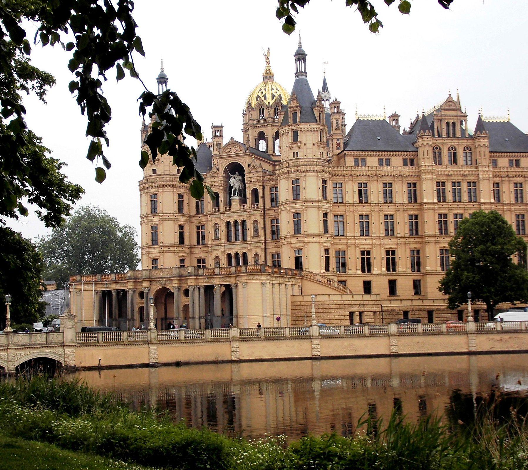 Zamek w Schwerinie, siedziba parlamentu Meklemburgii-Pomorza Przedniego - © Oberste Landesplanungsbehörde, 31.05.2016